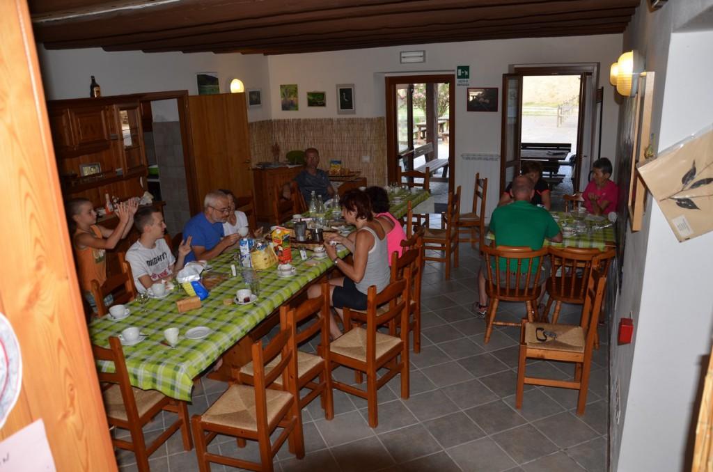colazione self-service in foresteria: pure stile FIAB famiglie!