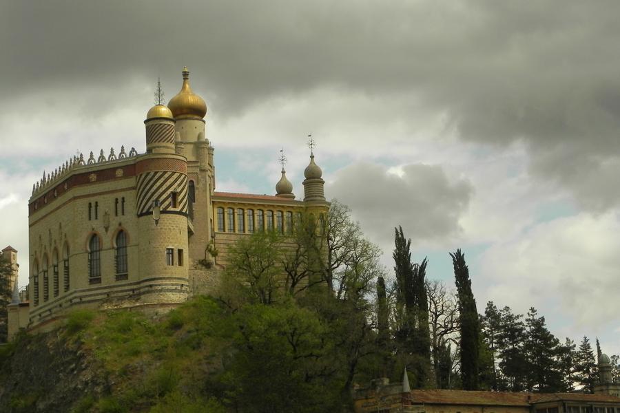 architettura stravagante sulle colline bolognesi